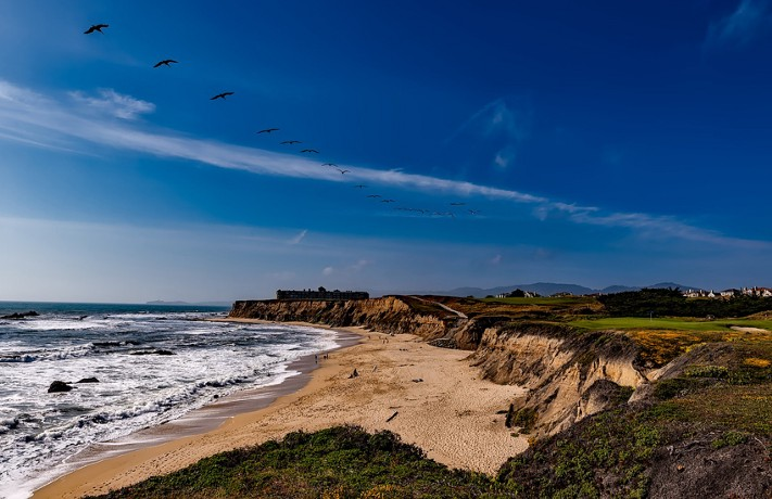 Half Moon Bay, California. Pixabay