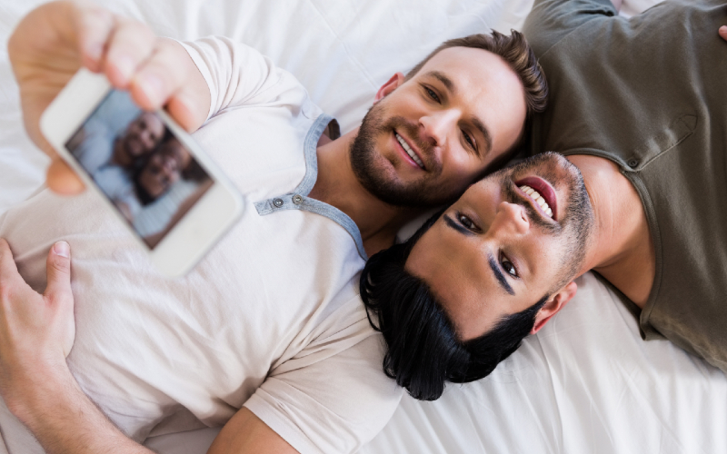 sniffles gay dating app